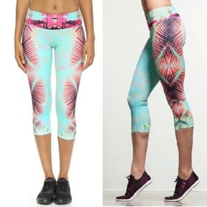 Onzie Blue Tropical Hot Yoga Cropped Capri Legging